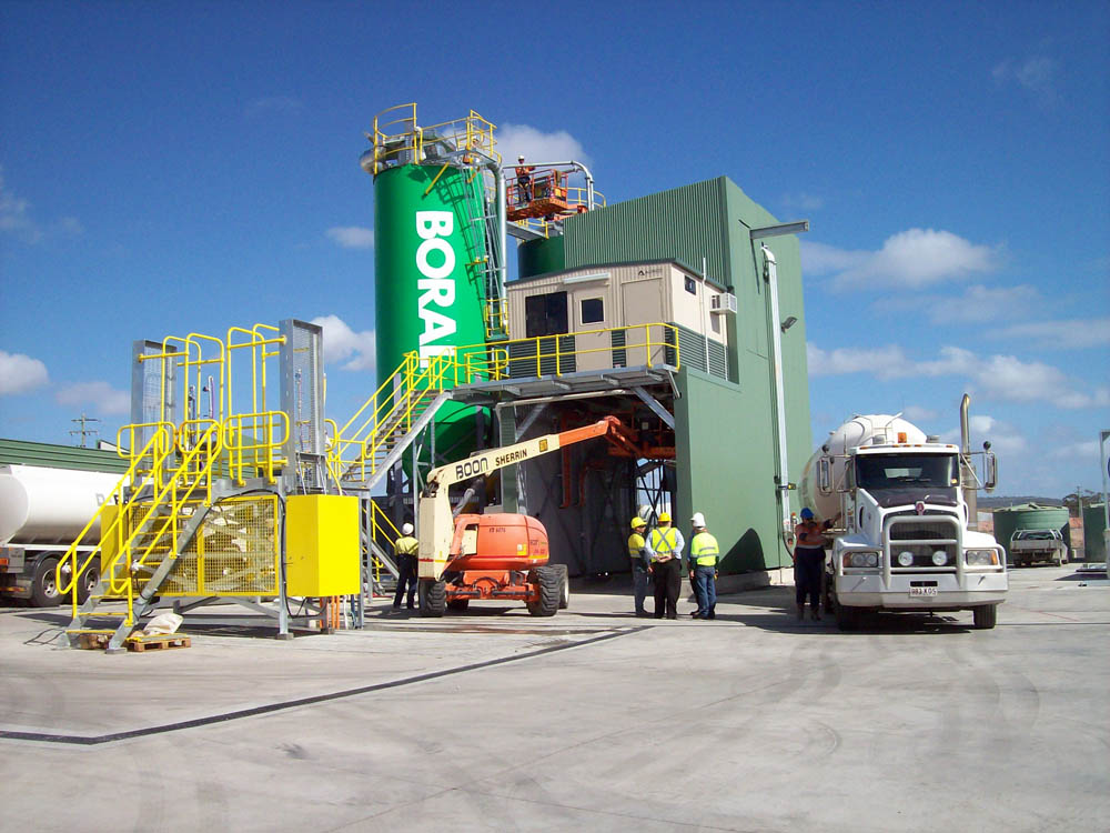 A picture of a concrete batching plant