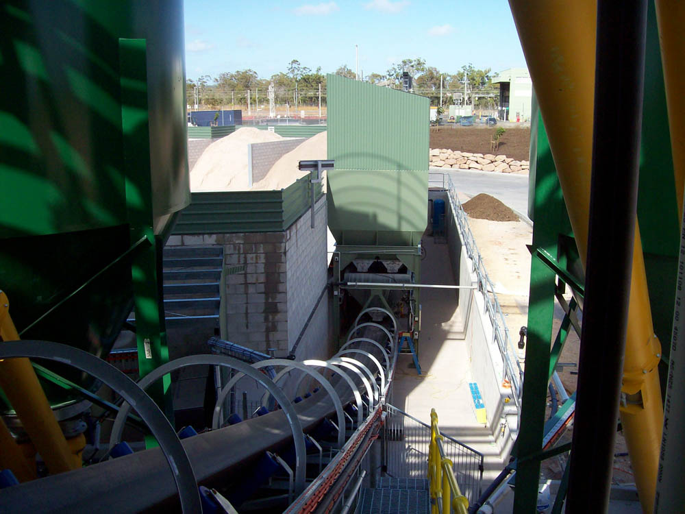 A picture of the internal passage of the concrete batching plant